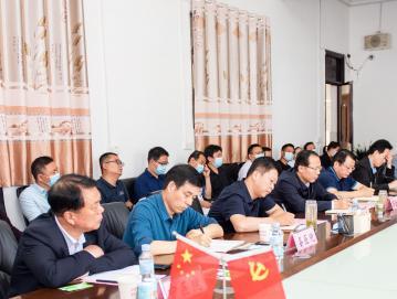 唐河县人民政府与南阳市中心医院医疗服务战略合作座谈会在唐河县人民医院召开